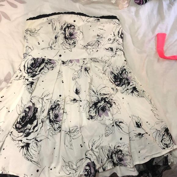 Mini black and white strapless dress